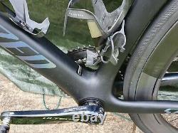 2019 Specialized Venge Pro Disc Di2 Road Bike Black/Holographic 58cm Frame