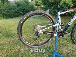 Giant Anthem 29er Full Suspension Mountain Bike good condition dropper seatpost