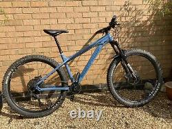 Nukeproof Scout 275 Medium. Dropper post, Tubeless tyres, Less than12 month Old