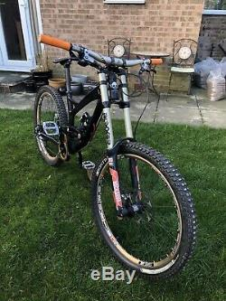 Yt Tues, Downhill Mountain Bike, Medium, 26, Black